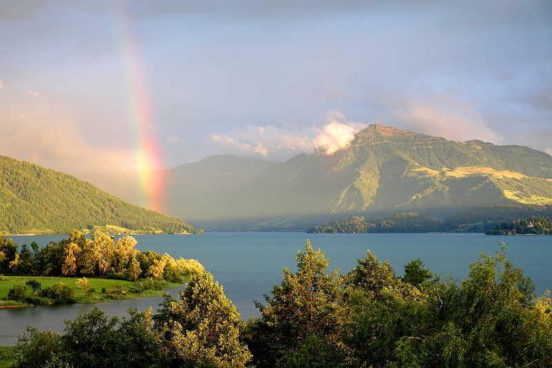 Aussicht mit Regenbogen